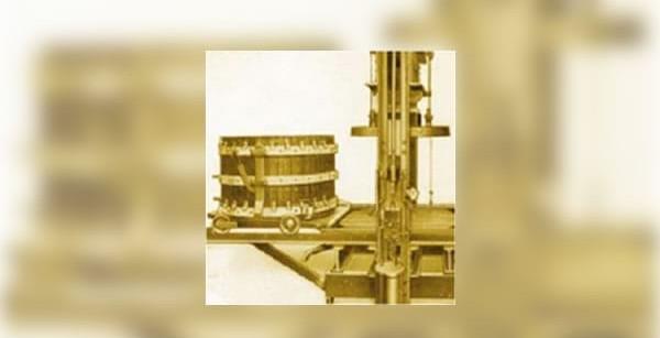 1901 | Hydraulic wine and fruit press